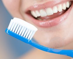 Зубная паста помогает от акне
