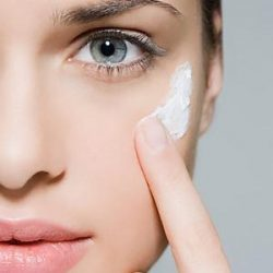 Очистить лицо эритромициновой мазью