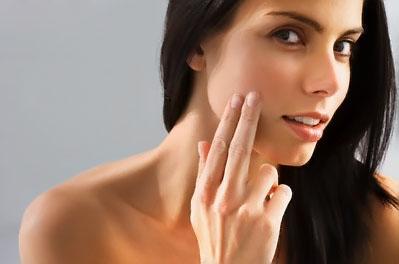 прыщи только на щеках Прыщи на щеках: причины появления и методы лечения - как.