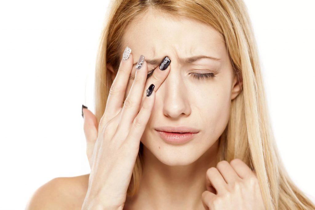 Чирей на глазу: как лечить, причини появления, симптоми