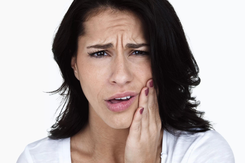 Как избавиться от зубной боли в домашних условиях быстро 40