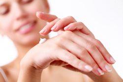 Шипица на пальце руки