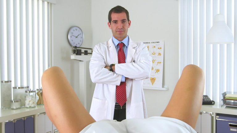 porno-v-kresle-genekologa