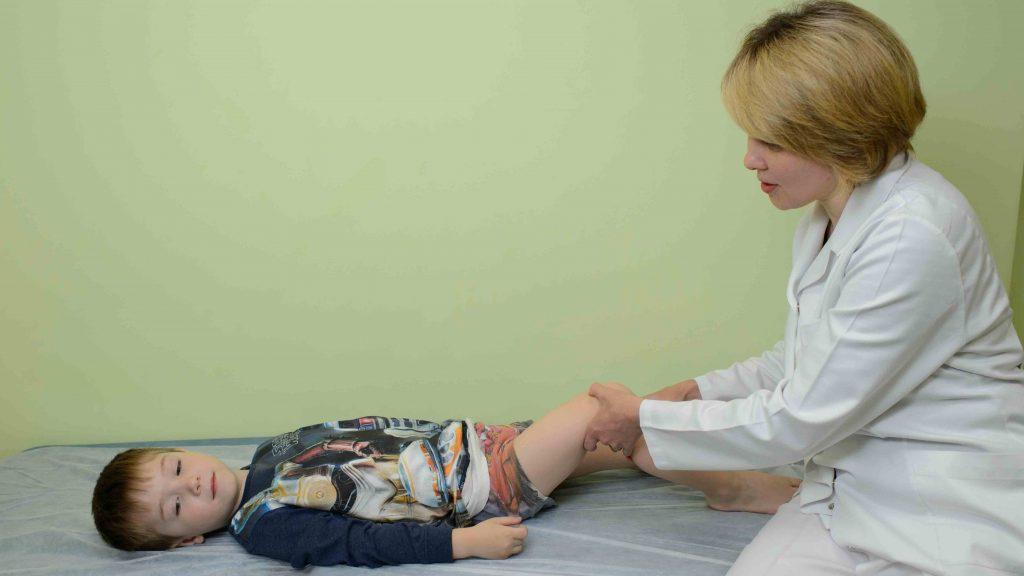 Гигрома сзади колена у ребенка фото